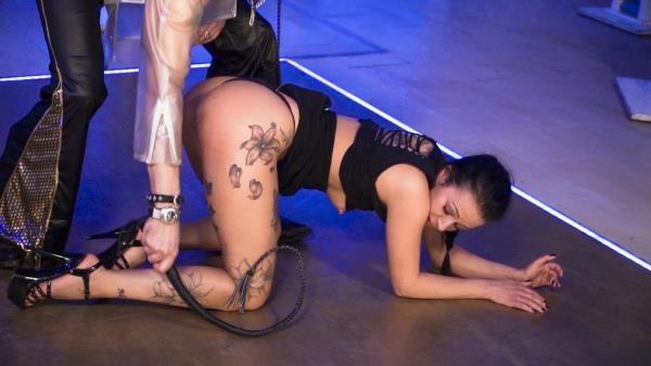 Mareen Deluxe - Wild BDSM session with submissive German MILF Mareen Deluxe PT 1 [BadTimeStories.com / PornDoePremium.com] (HD, 720p)