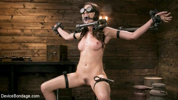 Melissa Moore - Neer Melissa Moore Submits to Screaming Bondage (DeviceBondage) [HD 720p]