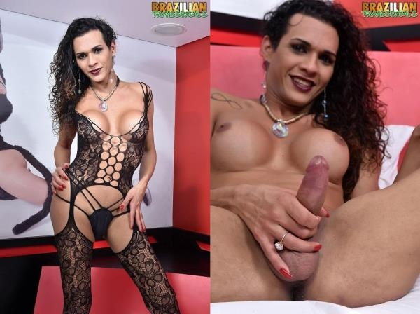 Sabrina Oliveira - Sabrina Oliveira In Sexy Lingerie - Brazilian-Transsexuals.com (HD, 720p)