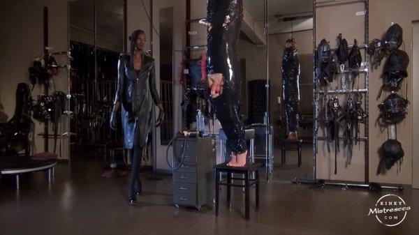 Kinkymistresses - Ebony Lady - Black Mamba`s milked Slave  (720p / HD)