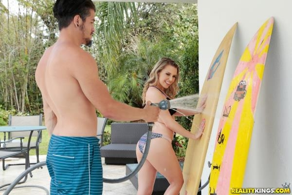 Aubrey Sinclair - Surfing With Stepsister - TeensLoveHugeCocks.com / RealityKings.com (SD, 432p)