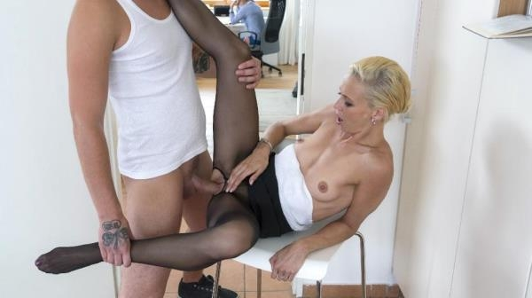 Naughty Czech MILF Lola B gets fucked and cum covered by young stepson [SD 480p]