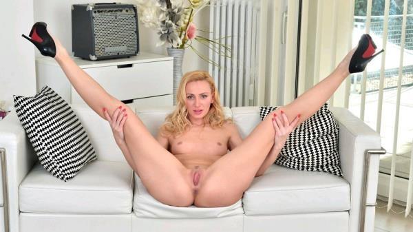 Anilos: Affina Kisser - Blonde Goddess (2017/FullHD)
