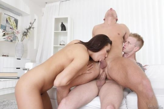 BiEmpire: Vanessa Decker, Denis Reed, Mark Black - Fuck Both Of Us! (HD/720p/1.04 GB) 26.06.2017