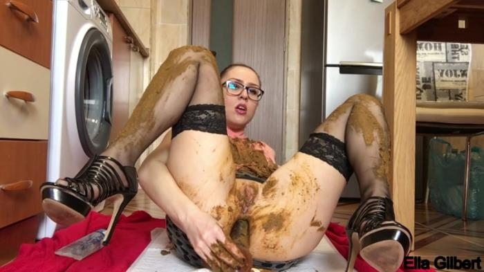 Scat - Extreme facial and clothing smearing - Mega Scat [FullHD, 1080p]
