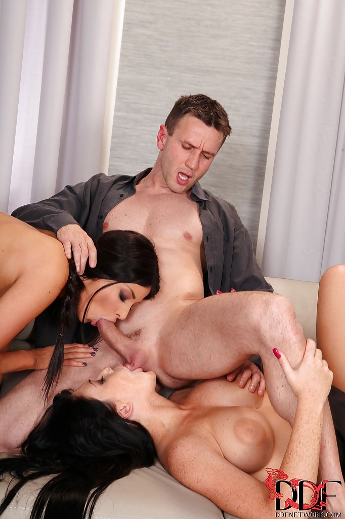 OnlyBlowJob - Emma Leigh, Anissa Kate in Oral Duo (FullHD 1080p)