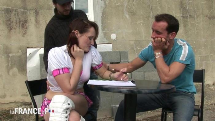 Lafranceapoil.com - Emy - Un plan cul a trois pour une etudiante en manque [HD 720p]