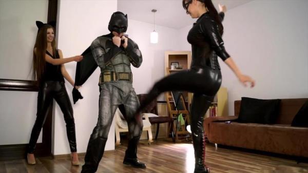 Anna as Catwoman, Weronika as Black Mamba and Footboy as Batman - Batman Parody Episode 01 (PolishMistressclips)  [FullHD 1080p]