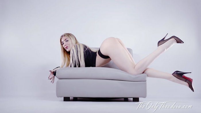 TheOnlyTheodora: Theodora - Swallow for my legs JOI CEI  [FullHD 1080] (1.25 Gb)