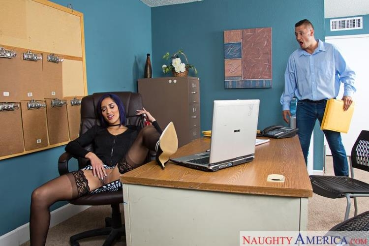 Chloe Amour - Sex in Office [NaughtyAmerica, NaughtyOffice / SD]