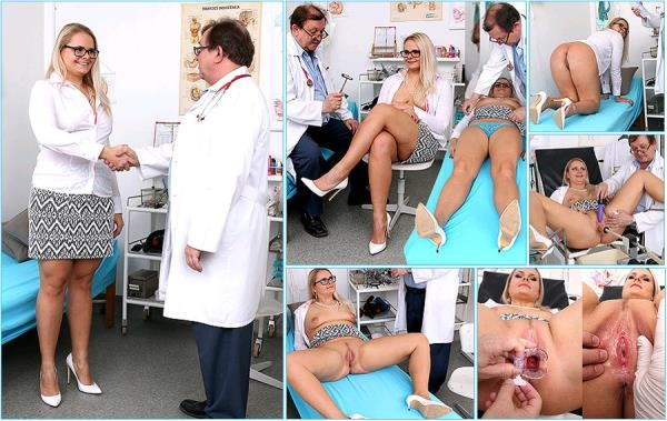 ExclusiveClub: Anikka - Old doctor checks pussy of chubby blonde Anikka (2017/HD)
