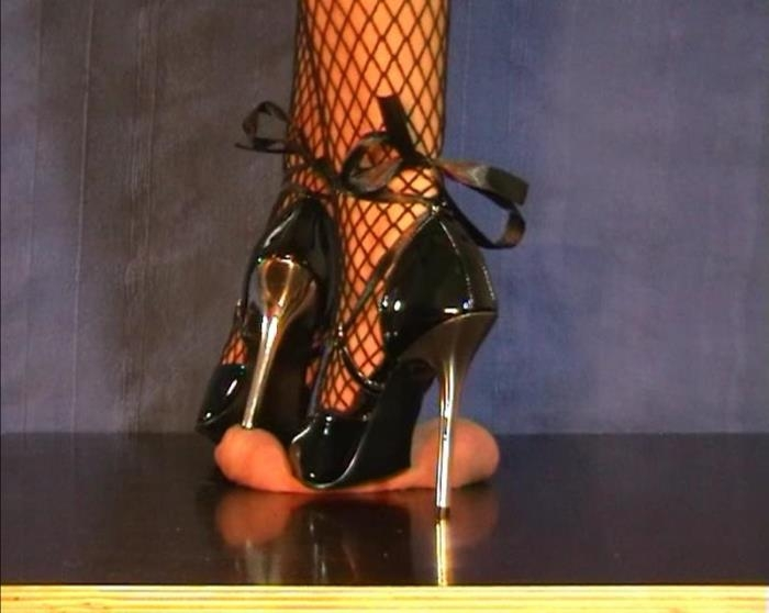 Cum under my Steel High Heels (Aballs and cock crushing sexbomb, Clips4sale) SD 576p