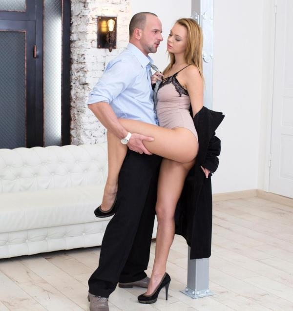 Emily Thorne - Sexy Seduction: Horny Teen Gets Fucked Like a Pro (EuroTeenErotica.com/DDFNetwork)  [HD 720p]