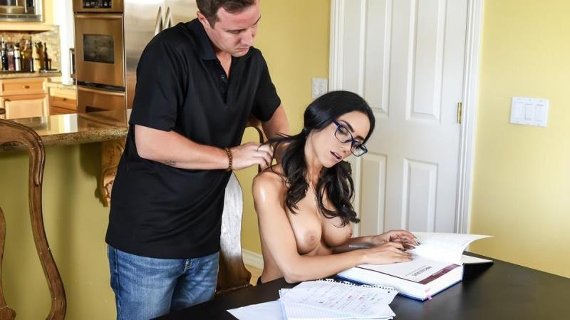(Couples Fantasies / MP4) Tia Cyrus - No Distractions DirtyMasseur.com / Brazzers.com - SD 480p