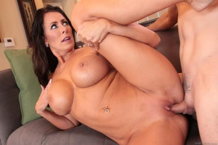 Reagan Foxx - Frustrated MILF Seduces Stepson! [SD/400p/392 MB]