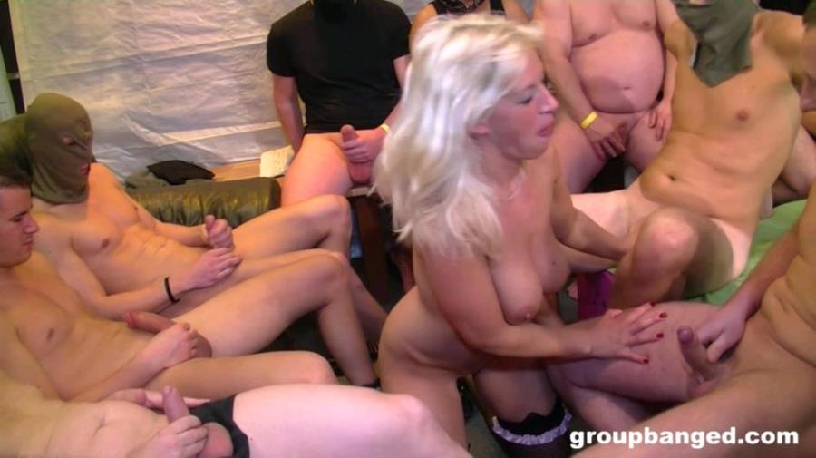 Amateur - Gang Bang Bitch Only Wearing Her Stockings [FullHD 1080p] GroupBanged.com