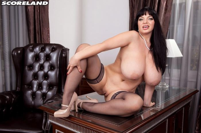ScoreHD - Joana Bliss - Joana Is The Boss of Big Boobs [FullHD 1080p]