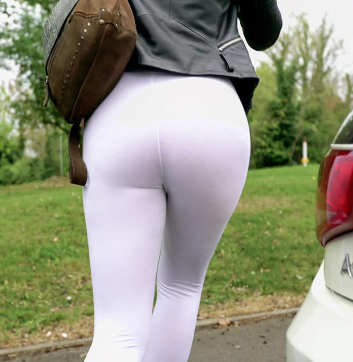 PublicPickUps/Mofos: Alessa Savage - Cute British Chick Needs Cash  [HD 720p] (897 MiB)