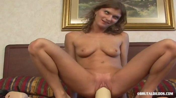 LITTLE LACY (BrutalDildos) SD 360p