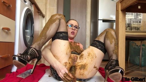 Extreme facial and clothing smearing - Mega Scat (FullHD 1080p)