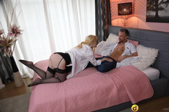 DaneJones, SexyHub: Misha Cross - Cute Blonde in Suspenders and Lace (SD/480p/343 MB) 28.06.2017