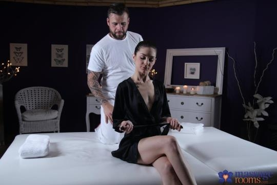MassageRooms, SexyHub: Lullu Gun - Nympho Brunette Orgasms on Big Dick (SD/480p/339 MB) 13.06.2017