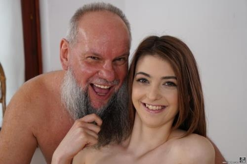 Tera Link - Let Grandpa Massage You (04.06.2017/GrandpasFuckTeens.com / 21Sextreme.com/HD/720p)