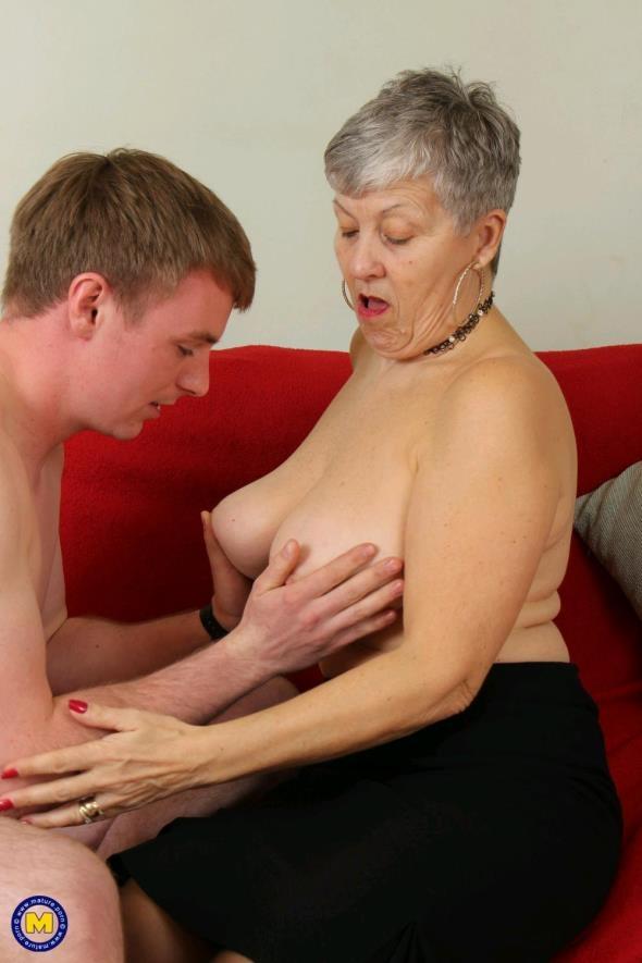 Mature.nl: Savana (EU) (58) - British older lady fucking and sucking (FullHD/2017)