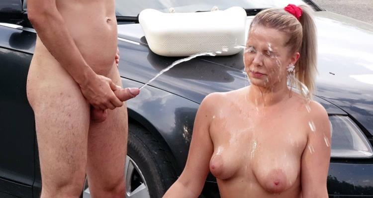 Hardcore pissing action on a parking lot - 28.07.17 [Tainster, PissinginAction, FullyClothedPissing / FullHD]