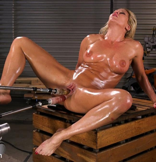 Kink/FuckingMachines: Ariel X - Ariel X Double Penetrated and Squirting Everywhere  [SD 540p]  (BDSM)