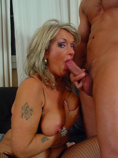 Amateurs - Mature Christina did it again (Milf) - Tuttifrutti   [SD 540p]
