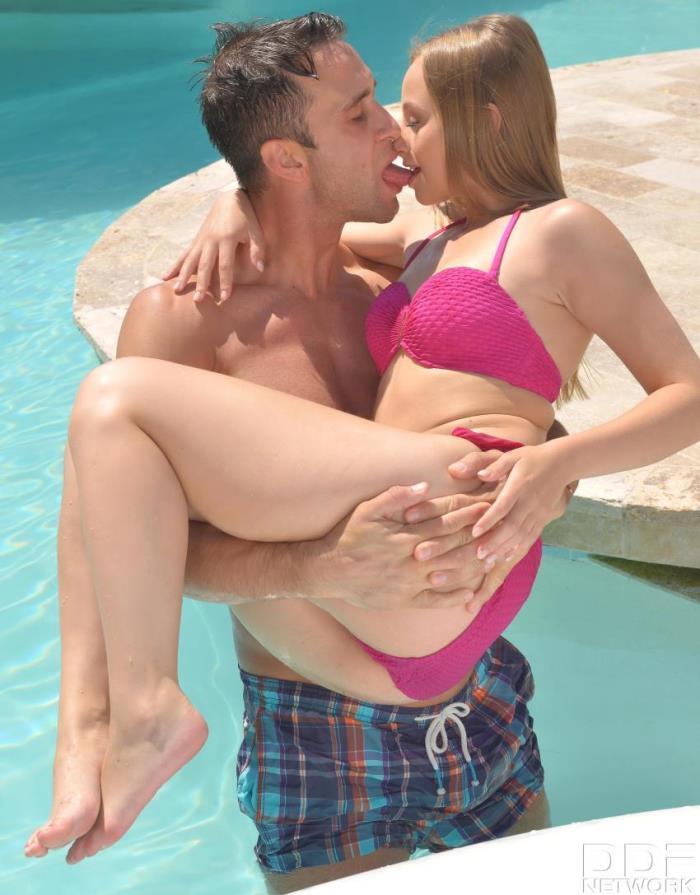 EuroTeenErotica/DDFNetwork -  Lady Bug - Hot Teen Banged: Hardcore Boy-Girl Fuck By The Pool  [HD 720p]