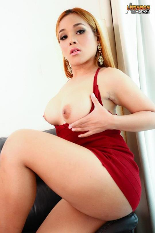 ladyboy: Angie / Red Hot Angie's Creamy Cum (FullHD/1080p/938 MB) 21.07.2017