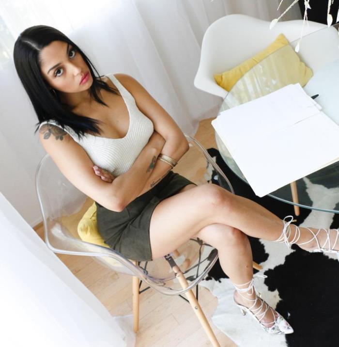 Vanessa Sky - The Sexual Assistant (Interracial) - PovLife/TeamSkeet   [HD 720p]