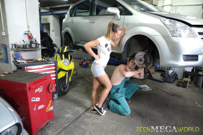 Old-n-Young.com / TeenMegaWorld.net - Naomi Bennet - Making sex in auto service [SD, 540p]