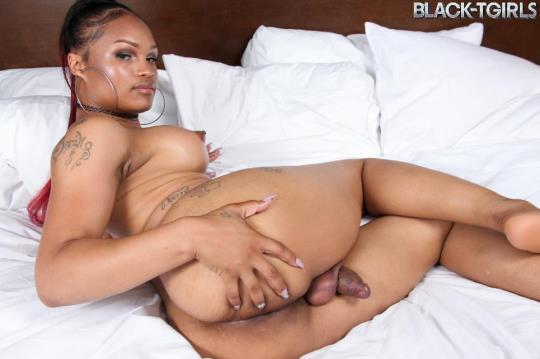 Black-TGirls: Mistress Alicia - Mistress Alicia Cums! (SD/480p/343 MB) 24.07.2017