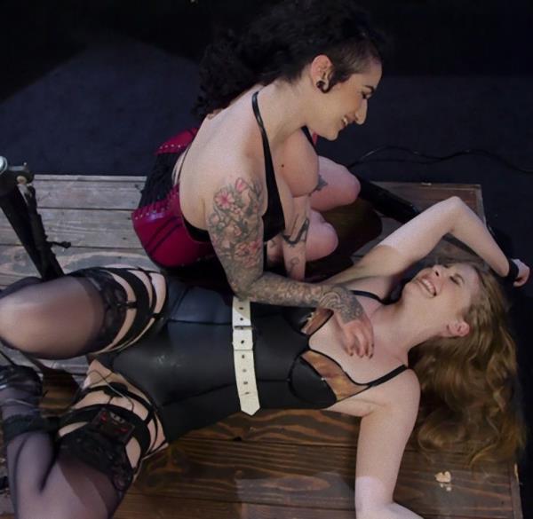 Arabelle Raphael, Ela Darling - Oh My Goddess!: Lesbian Electrosex Domination (BDSM) - ElectroSluts/Kink   [SD 540p]