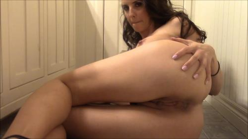 Scat [Naughty secretary pushing out a hard turd] FullHD, 1080p