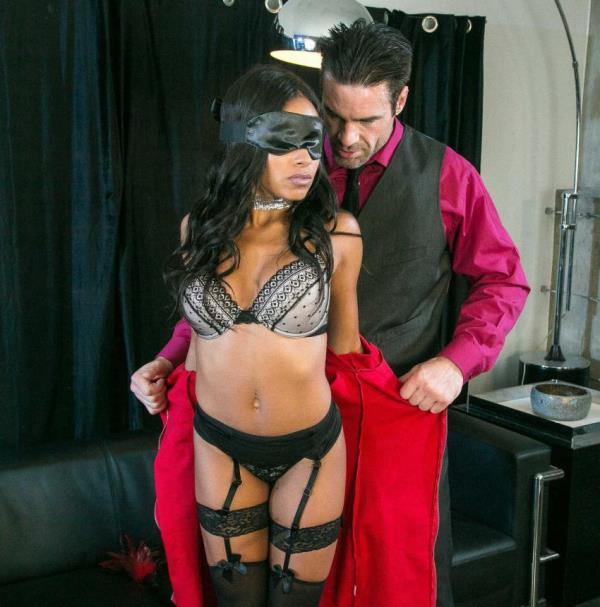 Anya Ivy - A Daring First Date (BrazzersExxtra/Brazzers)  [SD 480pp]