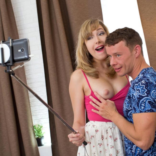 Connie Sparkle - (DDFNetwork/EuroTeenErotica) Sensual and Sexy: Pretty Teens Classy Bedroom Fuck [HD 720p]
