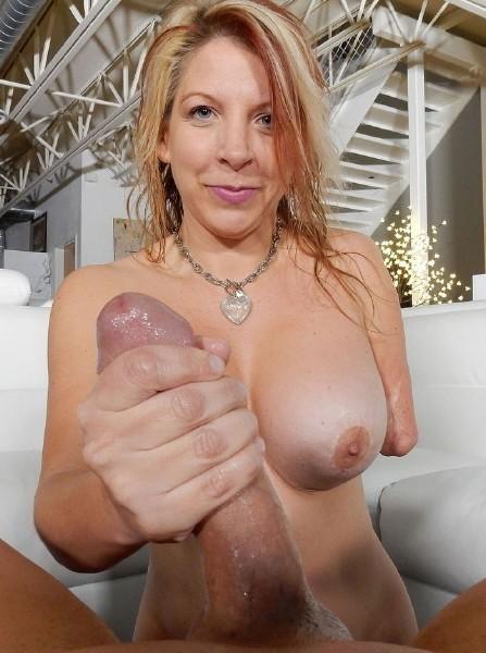 Pure-XXX - Ariella Fetish in Sexy amputee MILF Ariella jerks off a big dick (FullHD 1080p)