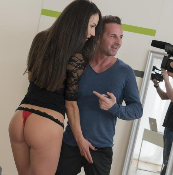 Nataly Gold - Sexy Russian babe Nataly Gold gets ass fucked at casting and eats jizz (ExposedCasting/PornDoePremium)  [HD 720p]