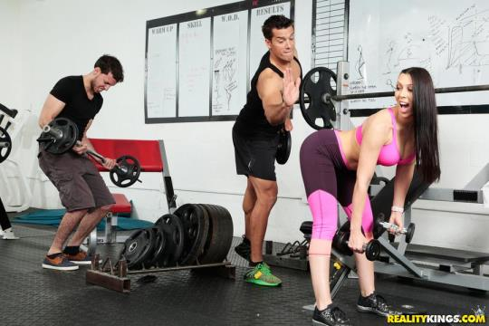 RealityKings, SneakySex: Rachel Starr - Gym And Pussy Juice (SD/432p/290 MB) 16.07.2017