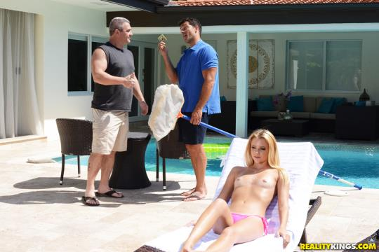 SneakySex, RealityKings: Riley Star - Wet Hot American Stunner (SD/432p/389 MB) 24.07.2017