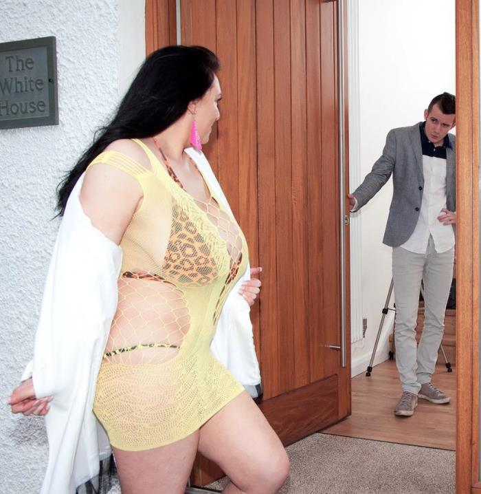 scoreland/PornMegaLoad: Sabrina-Jade - Hardcore Door Knockers  [HD 720p]  (BBW)