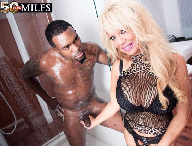 PornMegaLoad/50PlusMilfs: Bella Dea - Busty Bella gets a BBC [SD 400p] (183 MB)