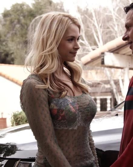 ZeroTolerance/Ztod - Sarah Vandella in Sarah Vandella Gets Her Pussy Licked And Fucked (HD 720p)