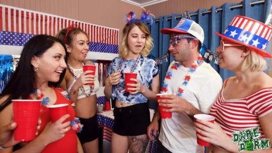 DareDorm: Jenna Foxx, Kat Dior, Natasha Blue, Kinsley Eden - Star Spangled Sluts (FullHD/1080p/2.87 GB) 22.07.2017