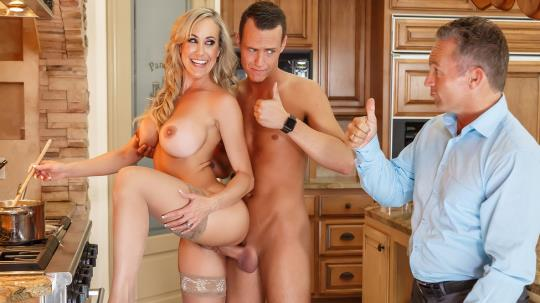 MommyGotBoobs, Brazzers: Brandi Love - Mother's Little Helper (SD/480p/328 MB) 24.07.2017
