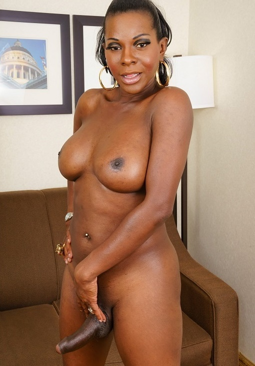 Black-TGirls: Capri Cinnamon - Hottest Tgirl Milf, Amber  [HD 720p] (590.84 Mb)